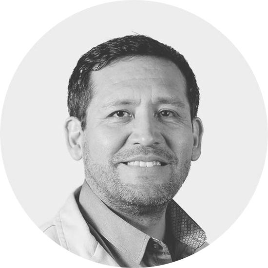 Dr. Julio Valvidia Silva